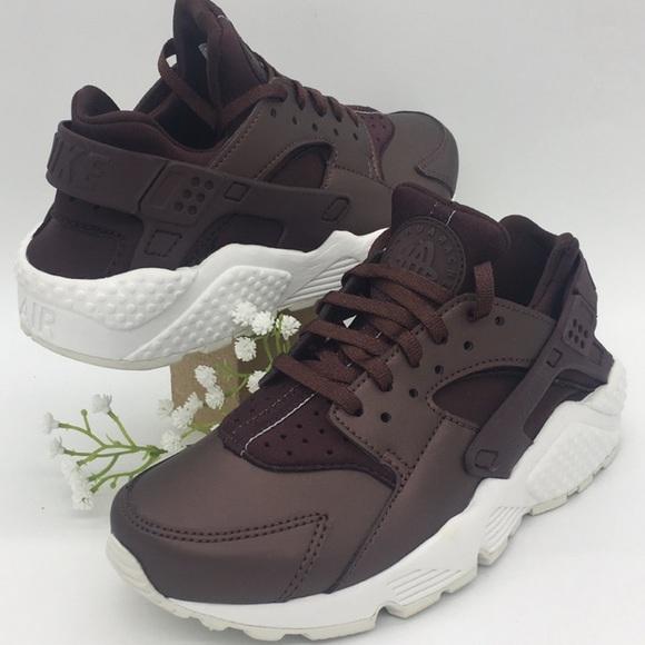 Nike Shoes   Wmns Air Huarache Run Prm